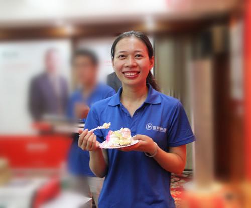 湖南物流公司国联物流 伙伴快乐吃蛋糕